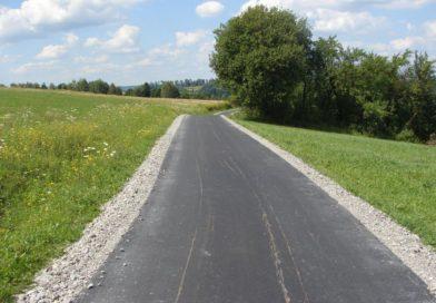 Droga Rzepiennik Strzyżewski w kierunku  Jodłówki Tuchowskiej