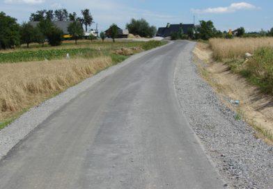 Droga w Rzepienniku Biskupim w kierunku P. Kafla