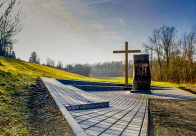 Przeniesienie pomnika w Rzep. Suchym