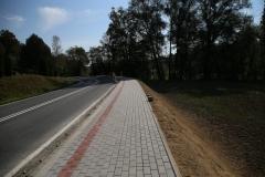 Chodnik DW 980 w Rzepienniku Strzyżewskim w trakcie