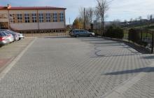 Miejsa-postojowe-przy-szkole-w-Olszynach