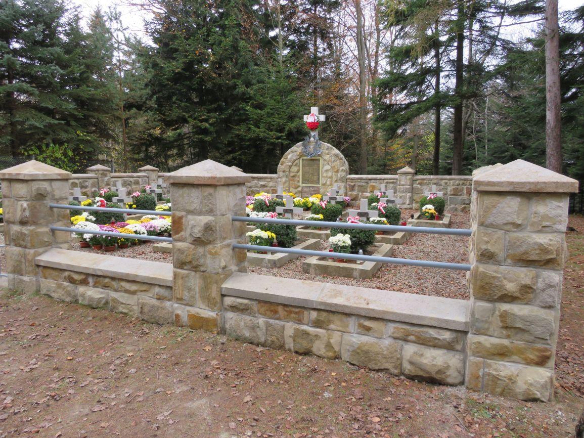 Cmentarz-w-Dabrach-1
