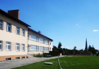 Szkoła Podstawowa w Rzepienniku Suchym