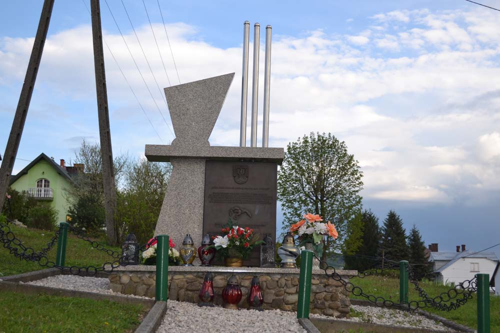 pomnik1
